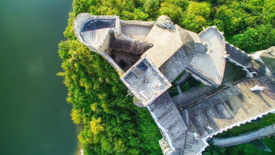 Zamek dunajec w Niedzicy z drona