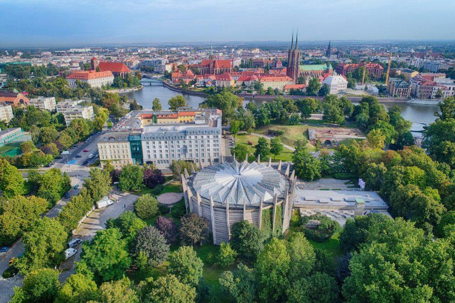 wrocław z drona artur kowalczyk polska zachwyca panorama racławicka