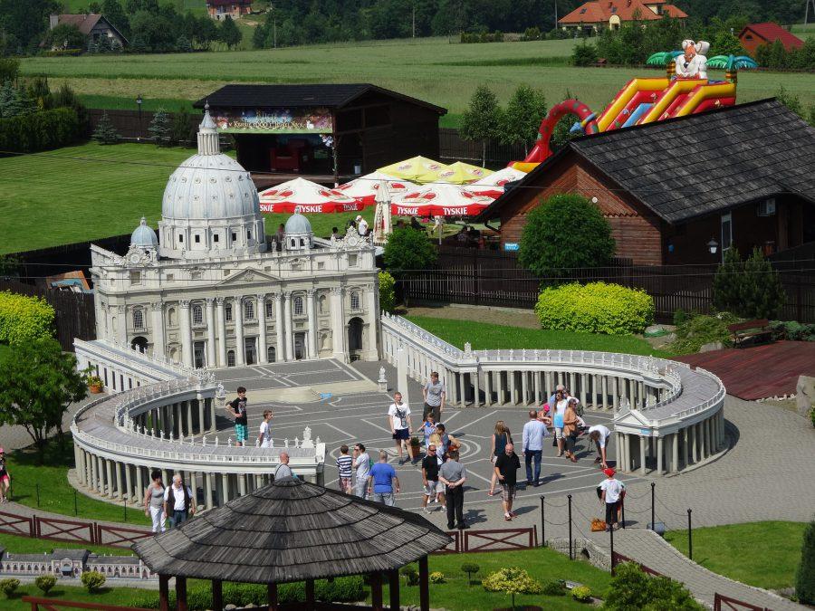 park miniatur w inwałdzie bazylika św piotra