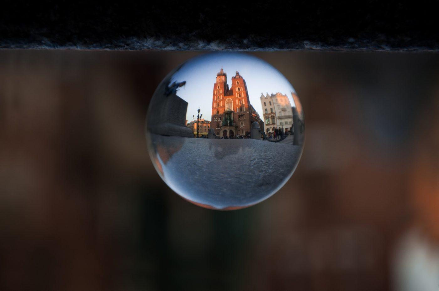 kościół mariacki w szklanej kuli