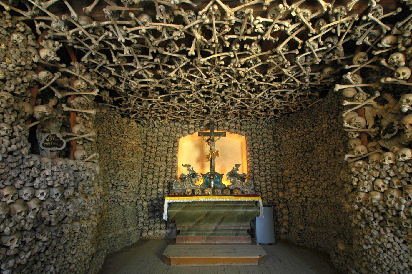 Kaplica Czaszek – refleksyjna atrakcja Kudowy-Zdroju