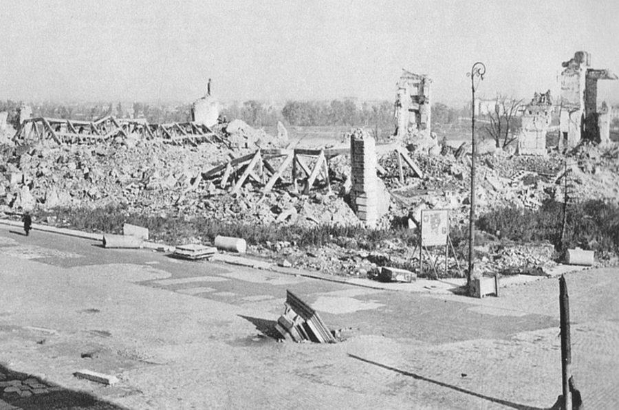 Zamek Królewski w Warszawie 1944