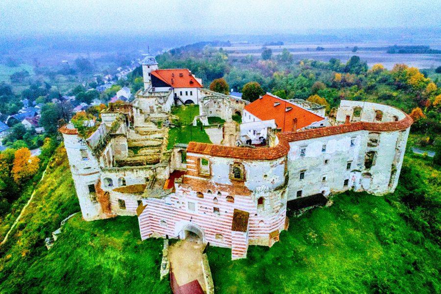 Zamek w Janowcu na wzgórzu koło Kazimierza Dolnego