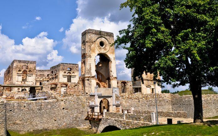 świętokrzyskie atrakcje Zamek Krzyżtopór