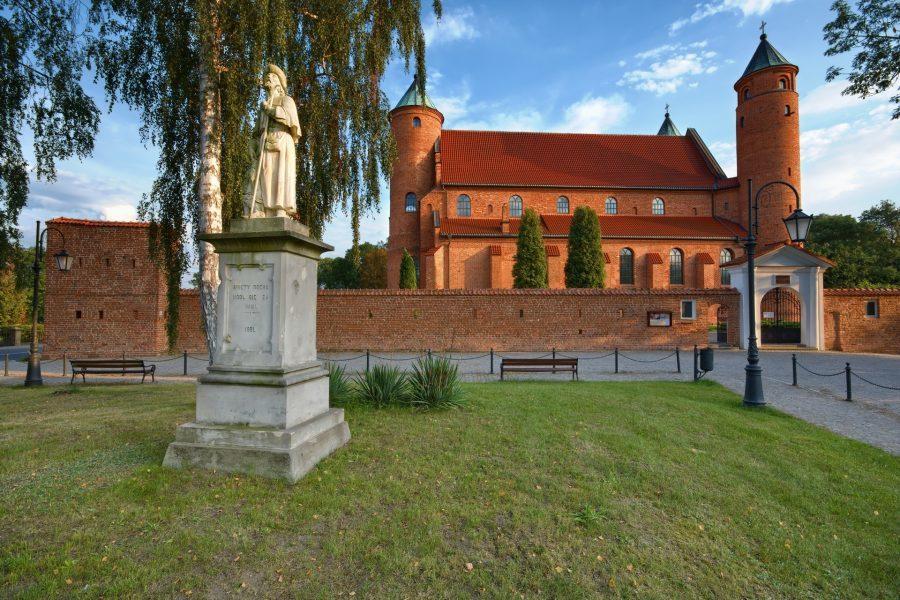 atrakcje brochowa Kościół Św. Jana Chrzciciela i Św. Rocha w Brochowie