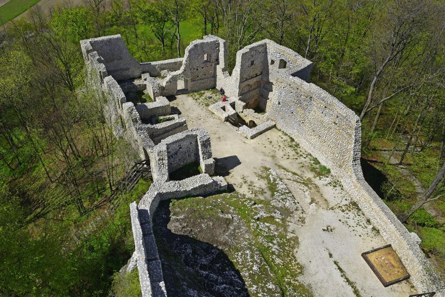 zamek w smoleniu atrakcje