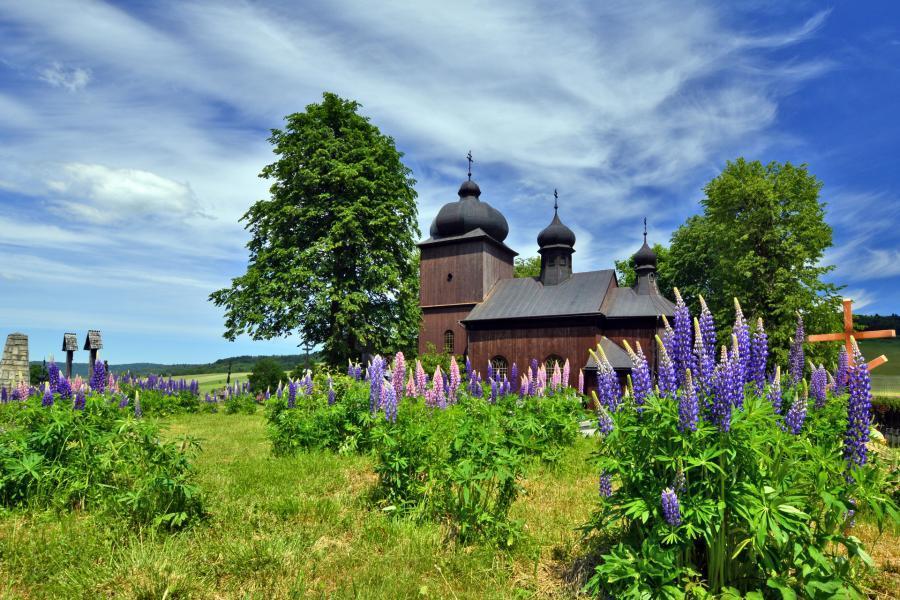 cerkiew konieczna wiosna beskid niski
