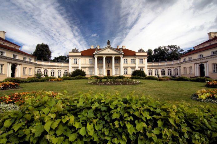 Wielkopolskie atrakcje – pałac w Śmiełowie