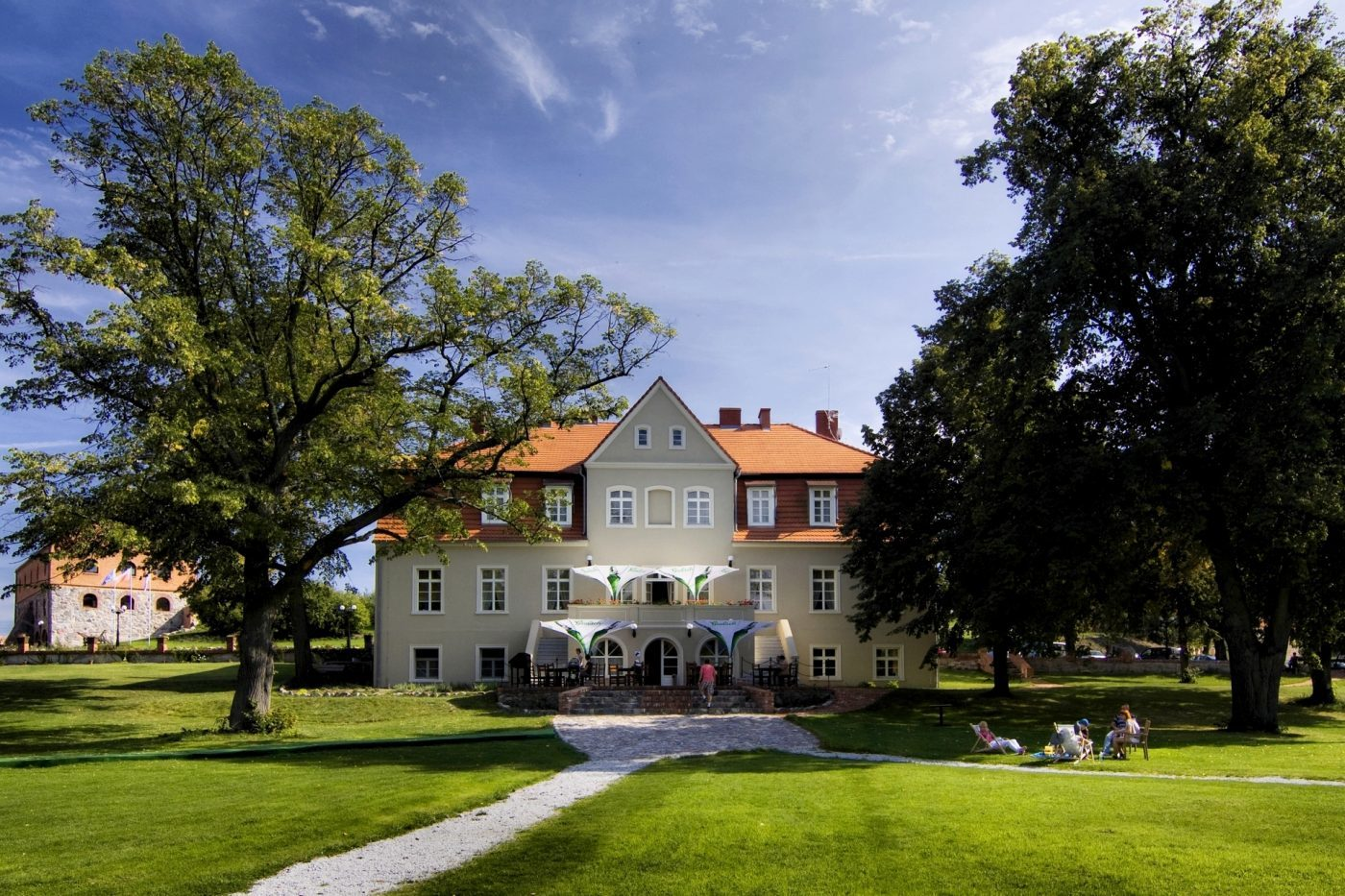 Pałac Olandia w Prusimiu