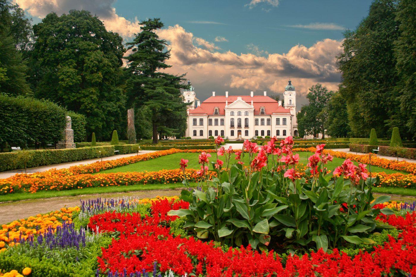 Pałac w Kozłówce – rezydencja, która przetrwała najgorsze