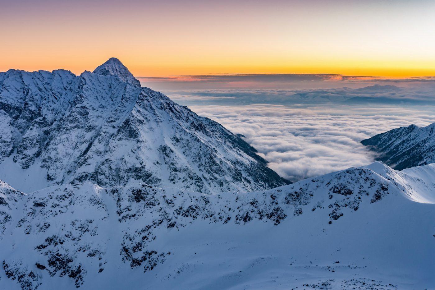 Po pas śniegu w Tatrach, zamknięte szlaki w Bieszczadach – zobacz!