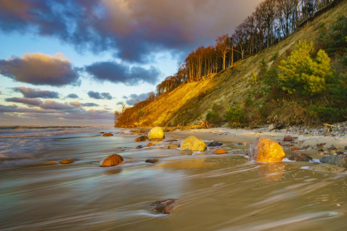 Woliński Park Narodowy – królestwo malowniczych klifów