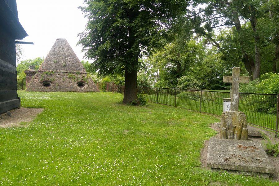 piramida w rożnowie koło kluczborka