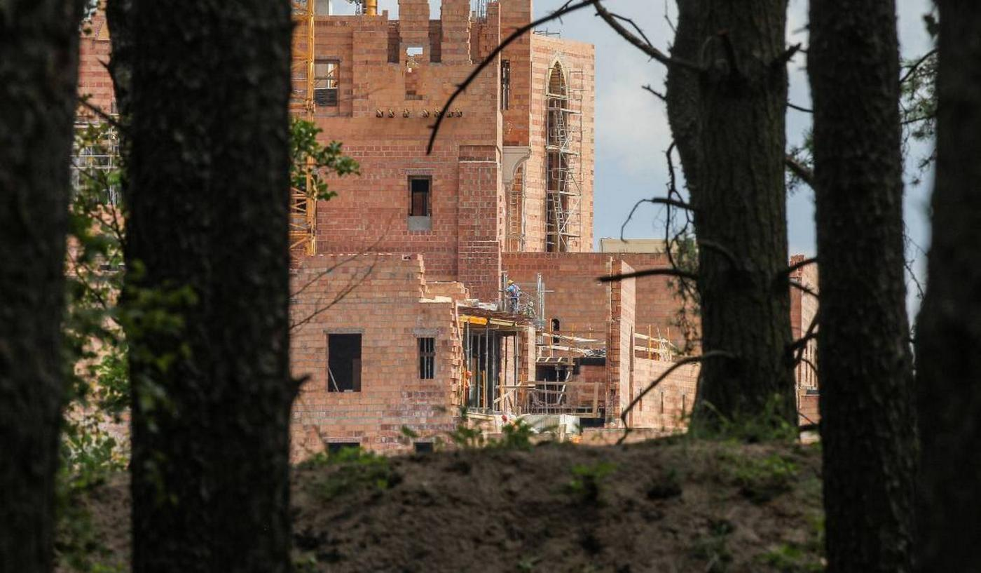 Zamek w Stobnicy – kontrowersje na temat ogromnej inwestycji