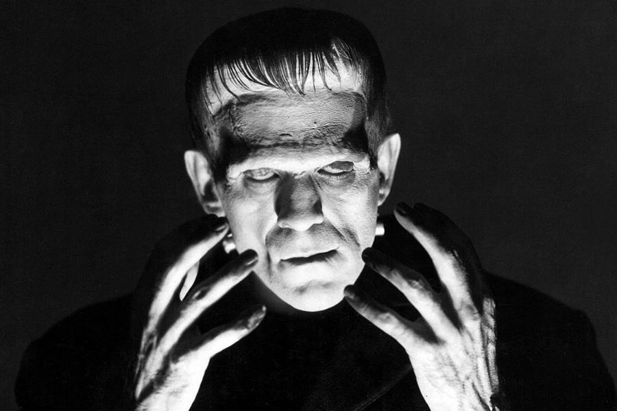 Kadr z filmu Frankenstein z 1931 r