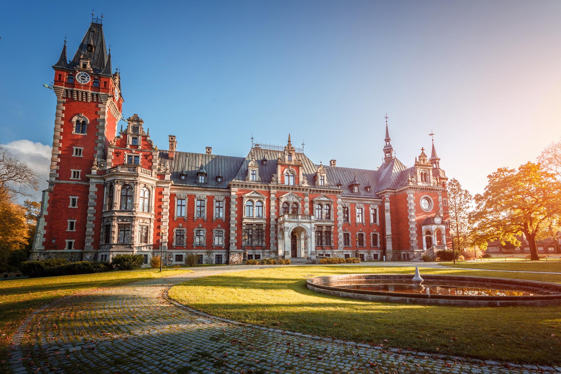 Najpiękniejsze pałace w Polsce – w kilku możesz nawet spać ...