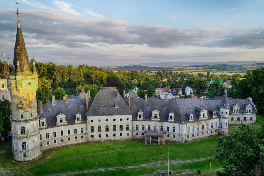 Pałac w Bożkowie z drona. Fot. Artur Kowalczyk, Polska Zachwyca ©