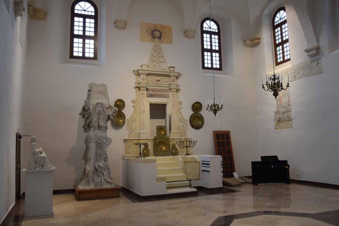 synagoga szydłów wnętrze