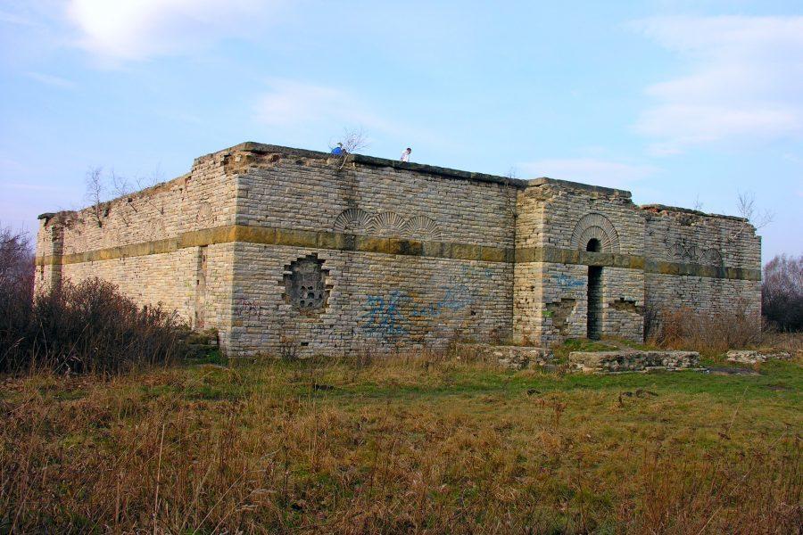 nazistowskie mauzoleum w Wałbrzychu
