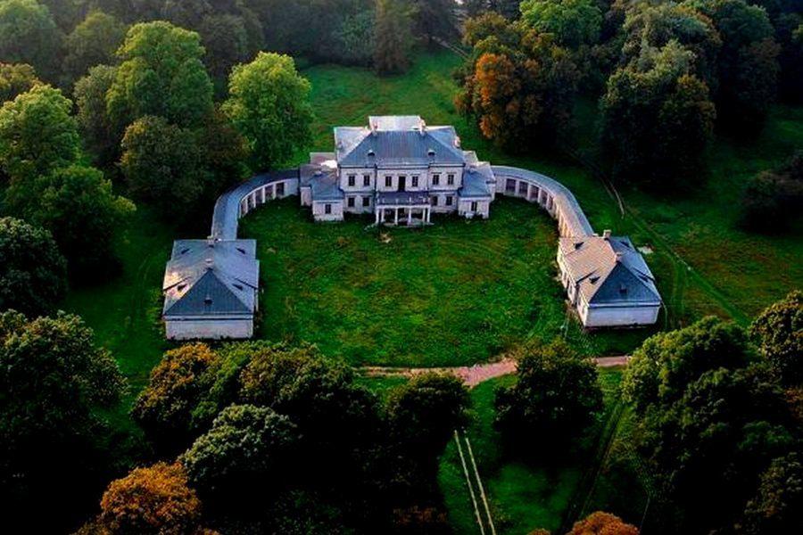 Pałac Dołhobyczów
