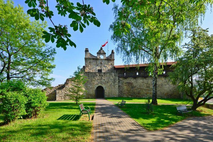 zamek w nowym sączu