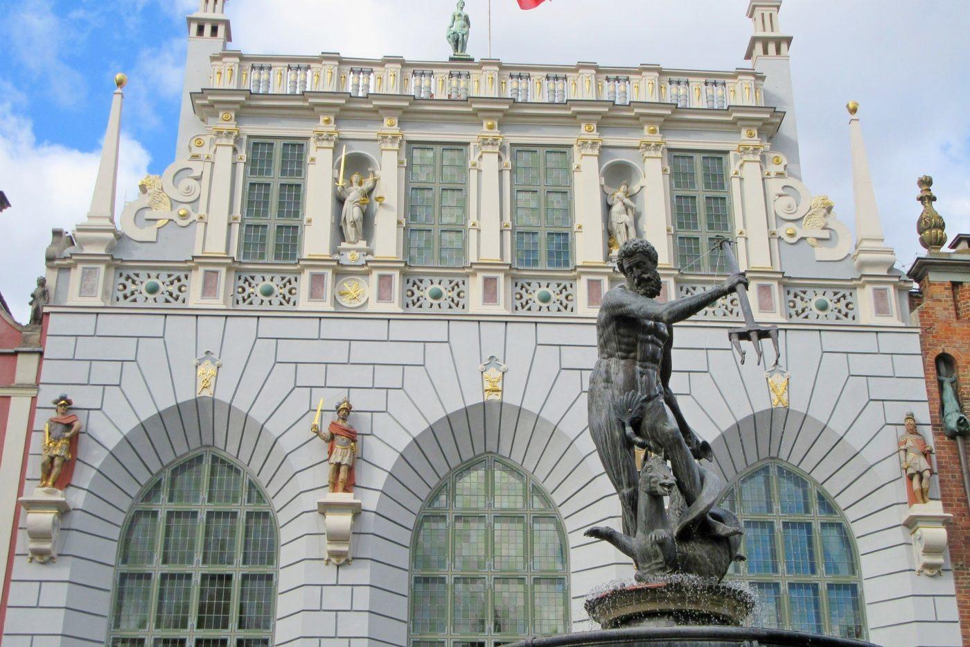 Fontanna Neptuna i Dwór Artusa w Gdańsku