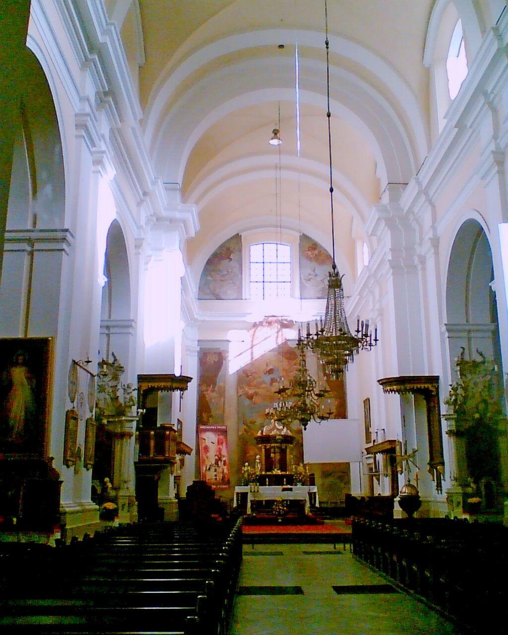 Wnętrze bazyliki w Węgrowie